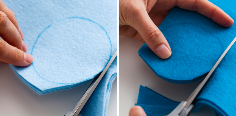 Utilize o molde em cartolina (ou papelão) para demarcar os círculos nos feltros. Recorte as bolas